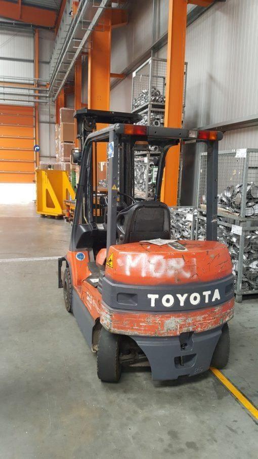 Toyota 7FB25 2 510x907